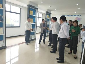 Xiaomi, kingsoft Group executives and leaders of the Chibi Municipal Government visited the Kinghonor Industrial Park